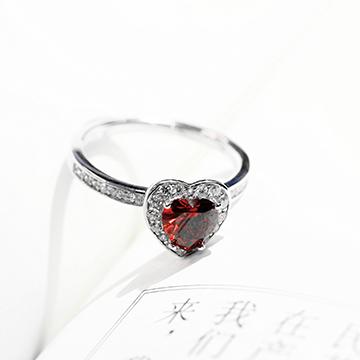 铧碧珠宝心形戒指