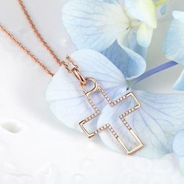 小钻王十字架镶嵌钻石项链