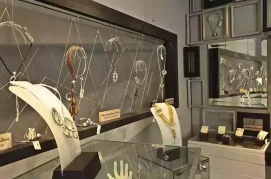 香港珠宝销售,六福,周大福