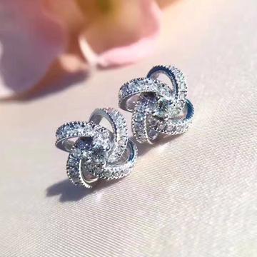 潮客珠宝18K风车钻石耳钉