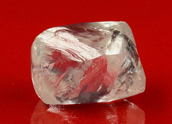 埃罗莎在俄罗斯东北部金伯利岩筒新发现3颗宝石级钻石原石