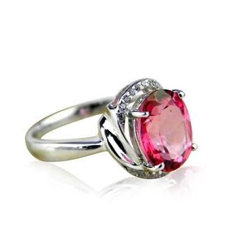 恒仕集团时尚宝石戒指