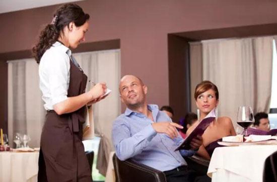 酒店餐饮销售技巧和话术:如何引导顾客消费