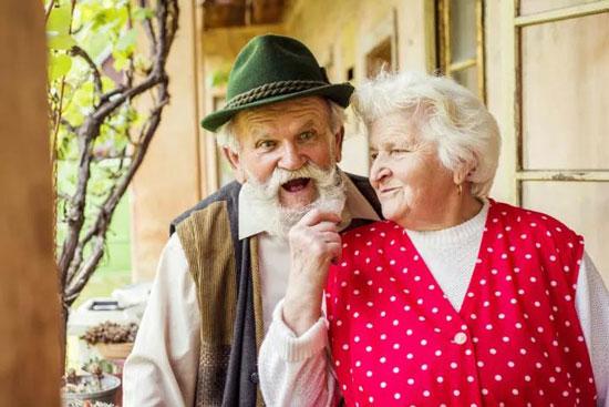 金鑫珠宝:结婚十年的甜蜜秘诀:像爱自己一样地爱对方