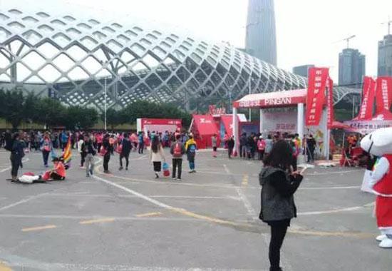 黄金码头:2017深圳马拉松 | 全民健身 奔跑中国图片