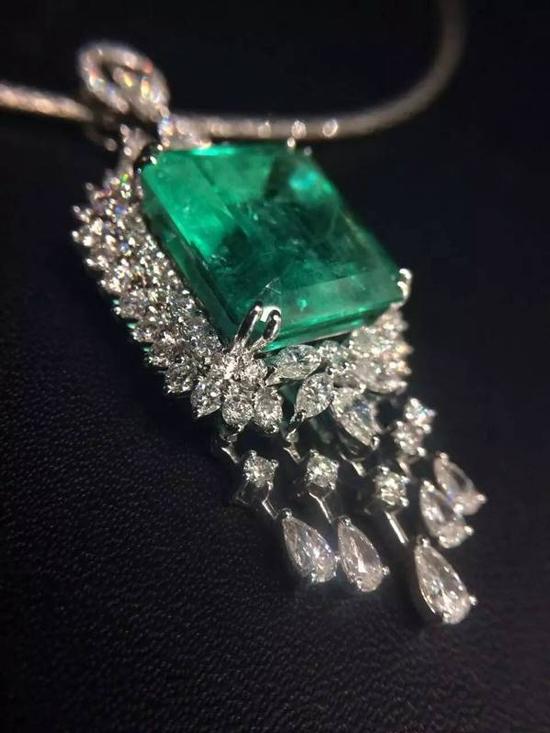朱素玉:在珠宝里成就闪闪发光的人生