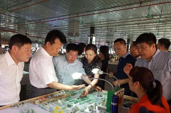 大兴安岭与广东四会市对接发展玛瑙产业