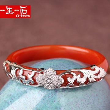 一生一石红玛瑙手镯女椭圆形贵妃镯