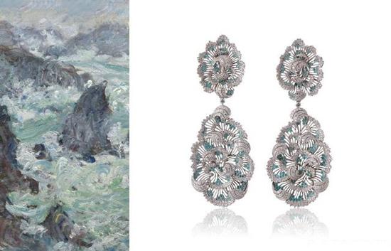 Buccellati布契拉提Art艺术系列耳环 这副镂空耳环的设计灵感来源于法国印象派画家莫奈(Claude Monet)的《Stormonthe Coast of Belle-le》(百里岛的海岸风暴)。光与影的色彩描绘是莫奈绘画的最大特色。这幅耳环就如同莫奈的画作一般,采用蜂巢镂空雕刻工艺的18K白金耳环使光线不断折射,之后被翻腾起来的蓝色海浪帕拉伊巴碧玺和白色浪花钻石将光芒放大。复杂的设计展现出传统而妩媚的布契拉提风格,简单色彩的组合之美展现了大海的神韵。