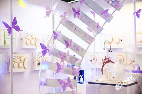 """紫金黄金展位入驻时尚周""""MIXPARK越界""""时尚观念实验展"""