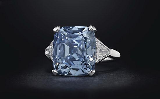 宝格丽华美蓝钻戒指