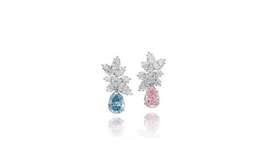 宝格丽定制耳环(饰以粉色及蓝色钻石)