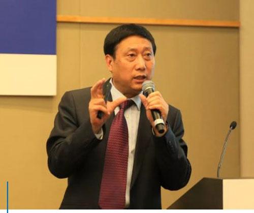国家珠宝玉石质量监督检验中心(NGTC)标准化部主 任杨立信