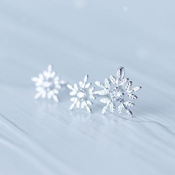 愛洛奇s925銀時尚小雪花鑲鉆耳釘