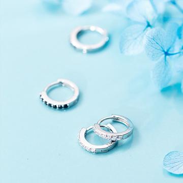 愛洛奇s925銀鑲鉆圓圈耳環