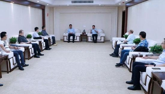 江西省德兴市市长郭峰会,珠宝企业客商