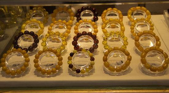 琥珀手链收藏价值,琥珀手链收藏,琥珀手链