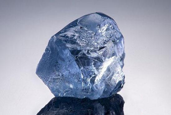 宝石级蓝钻原石,成交