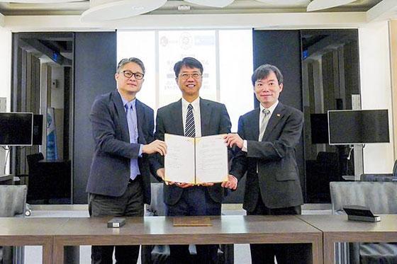 中宝协与东方环球会展集团有限公司共同签订战略合作协议